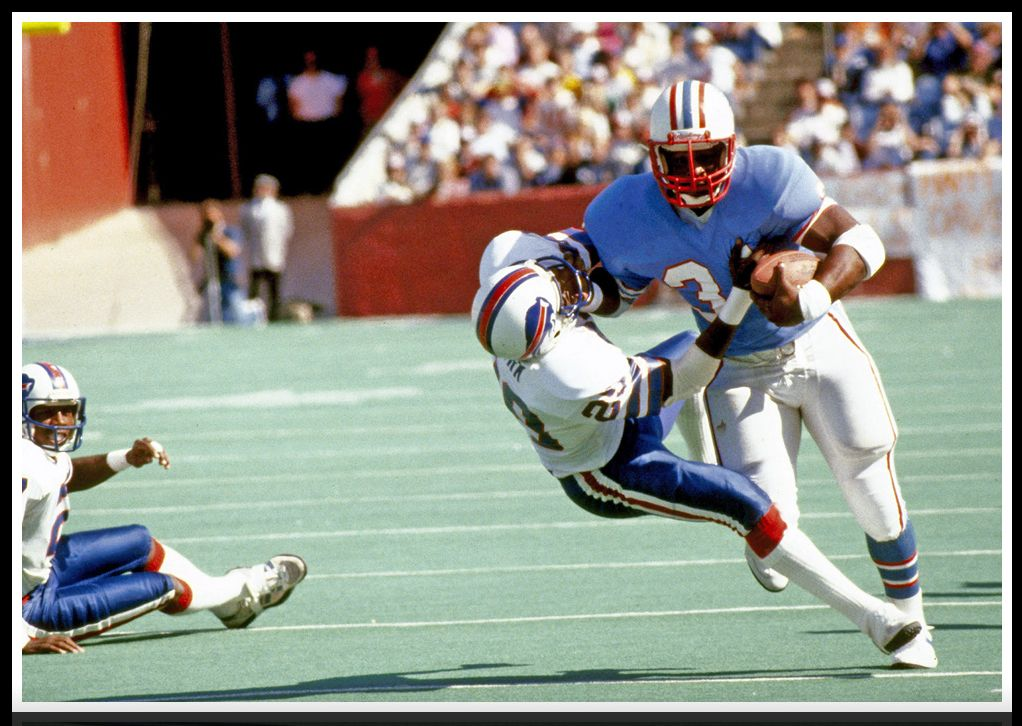 NFL Hall of Famer...this scene is was typical when Earl Campbell ran 8bc965f9b