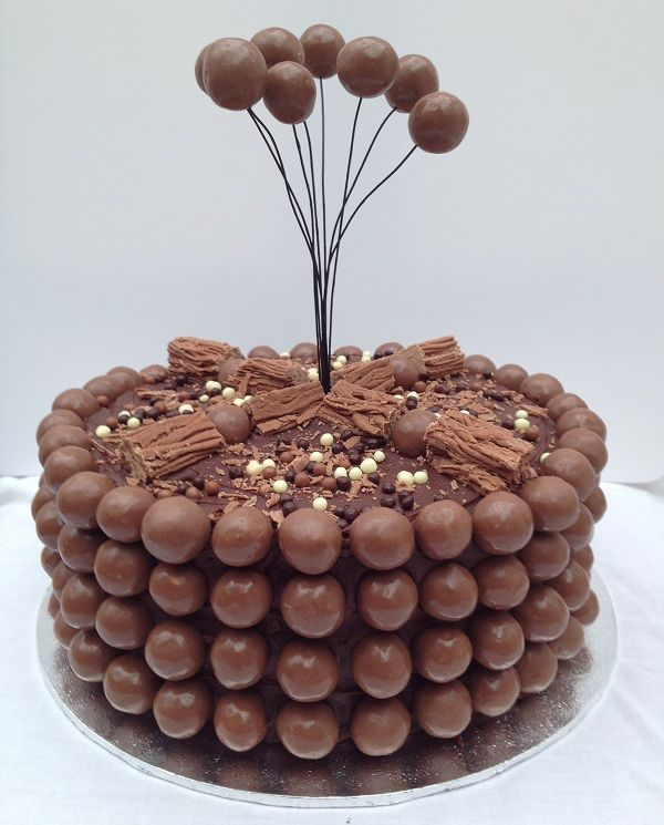 Torta de cumpleaños de 23 on Designs Next  http://www.designsnext.com/101-birthday-cake-ideas/