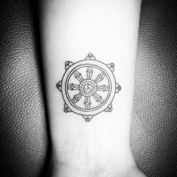 la roue de dharma bulletin journal tatouage idee tattoo et tatouage roue. Black Bedroom Furniture Sets. Home Design Ideas