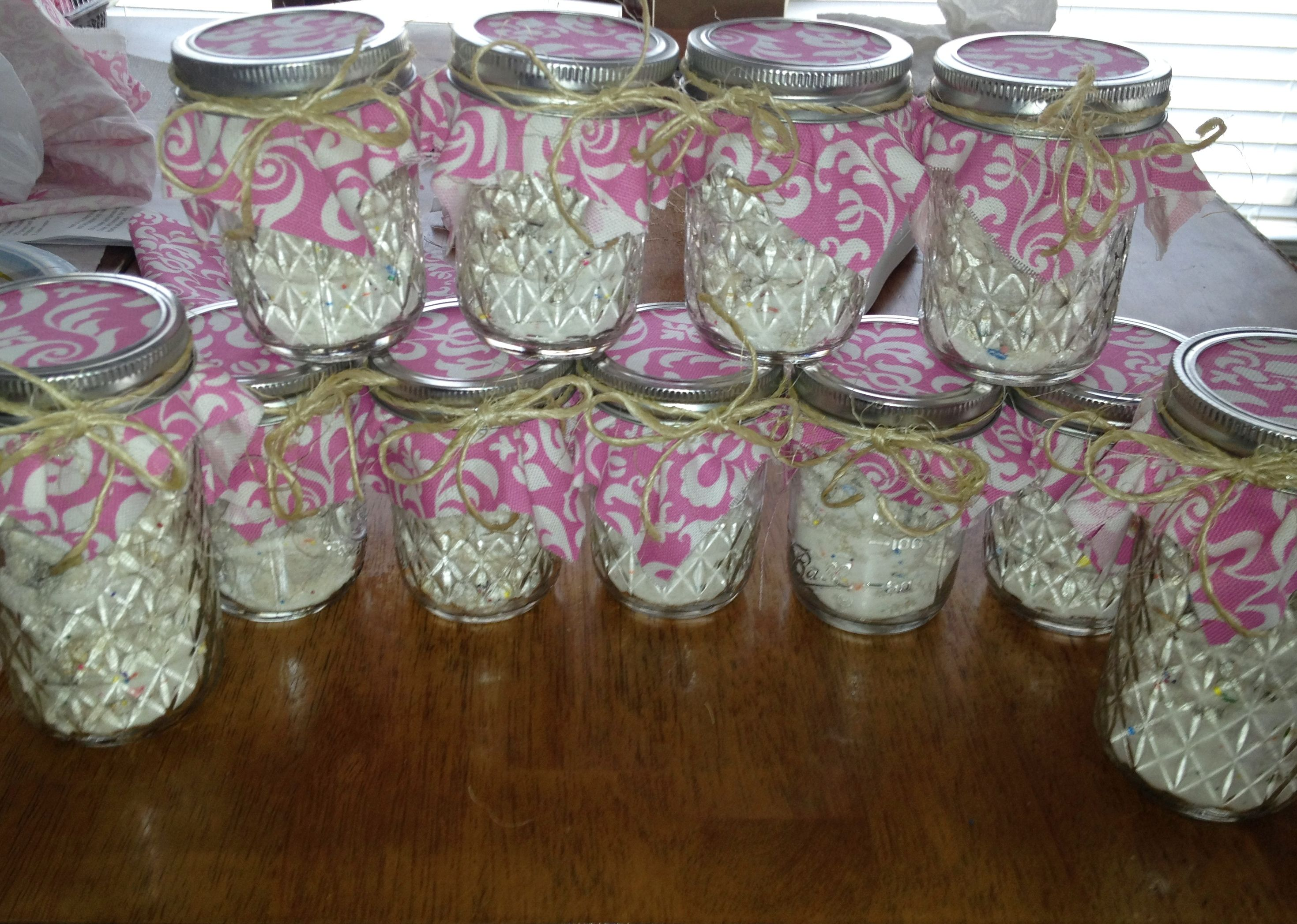 Fun fetti puppy chow party favors Fill a mason jar with your