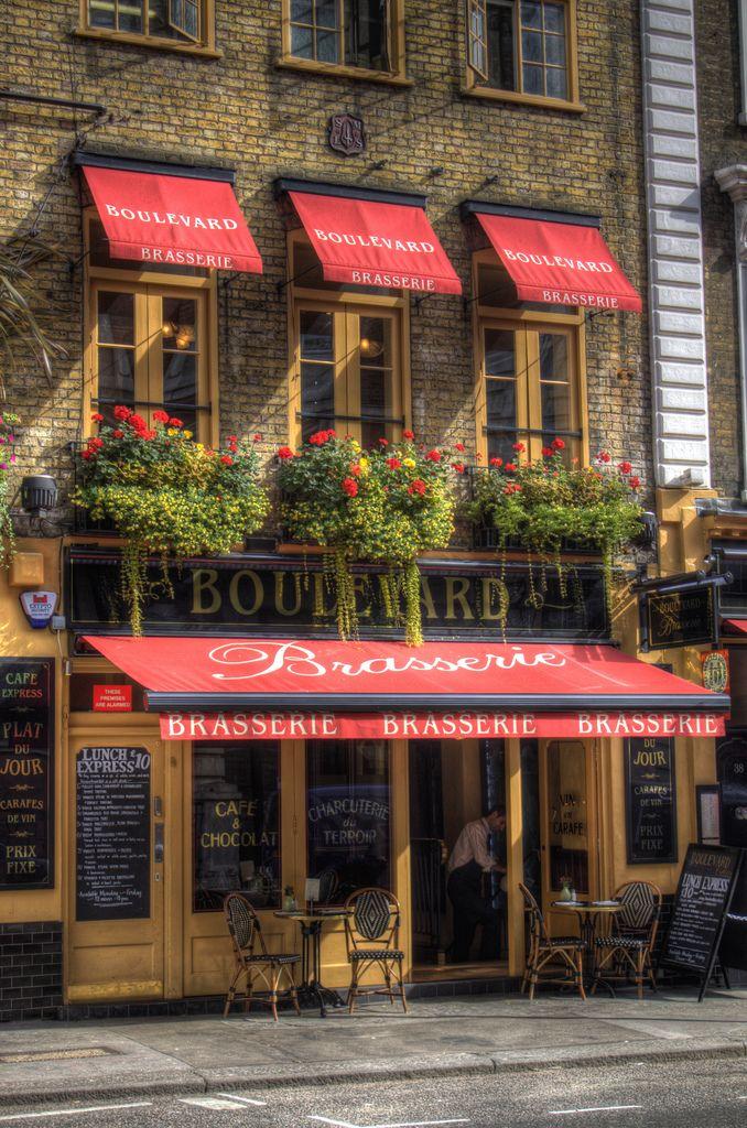 Boulevard Brasserie Covent garden, London, Shop fronts