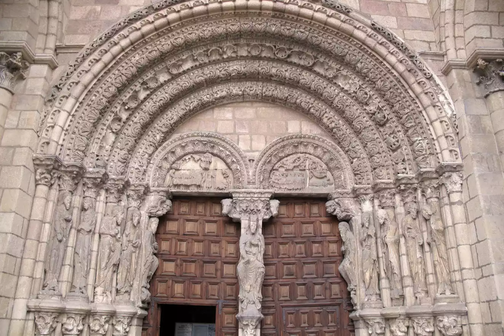 The Romanesque Architecture Of Medieval Europe Romanesque Art Romanesque Architecture Graphics