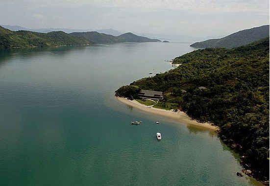 Breaking Dawn Honeymoon Hideaway In Brazil Honeymoon Scene Honeymoon House Tropical Honeymoon