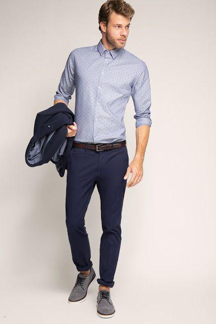 61a17a0fcc2cd Chemise bleue portée sur pantalon bleu foncé + ceinture marron et  chaussures grises