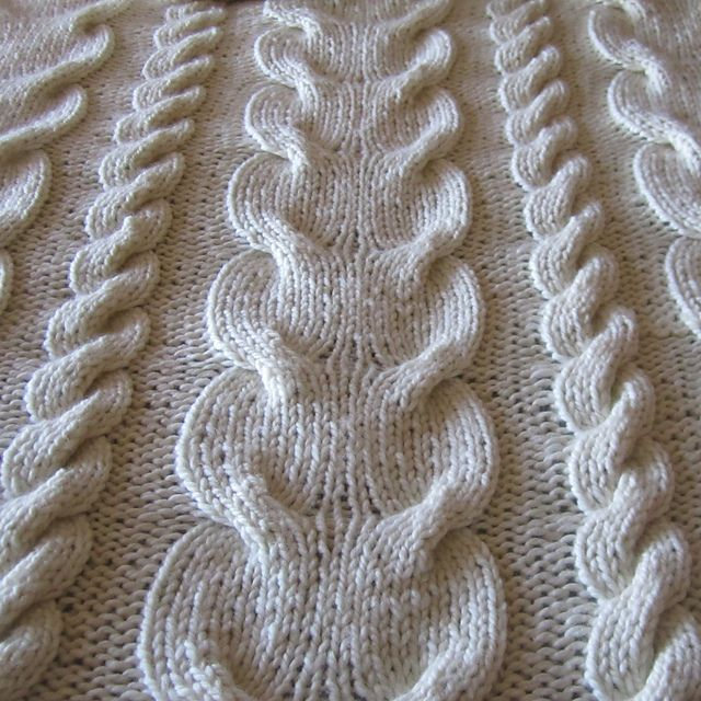 Super Chunky Cable Knit Throw pattern by Jennifer Wilby | Manta ...