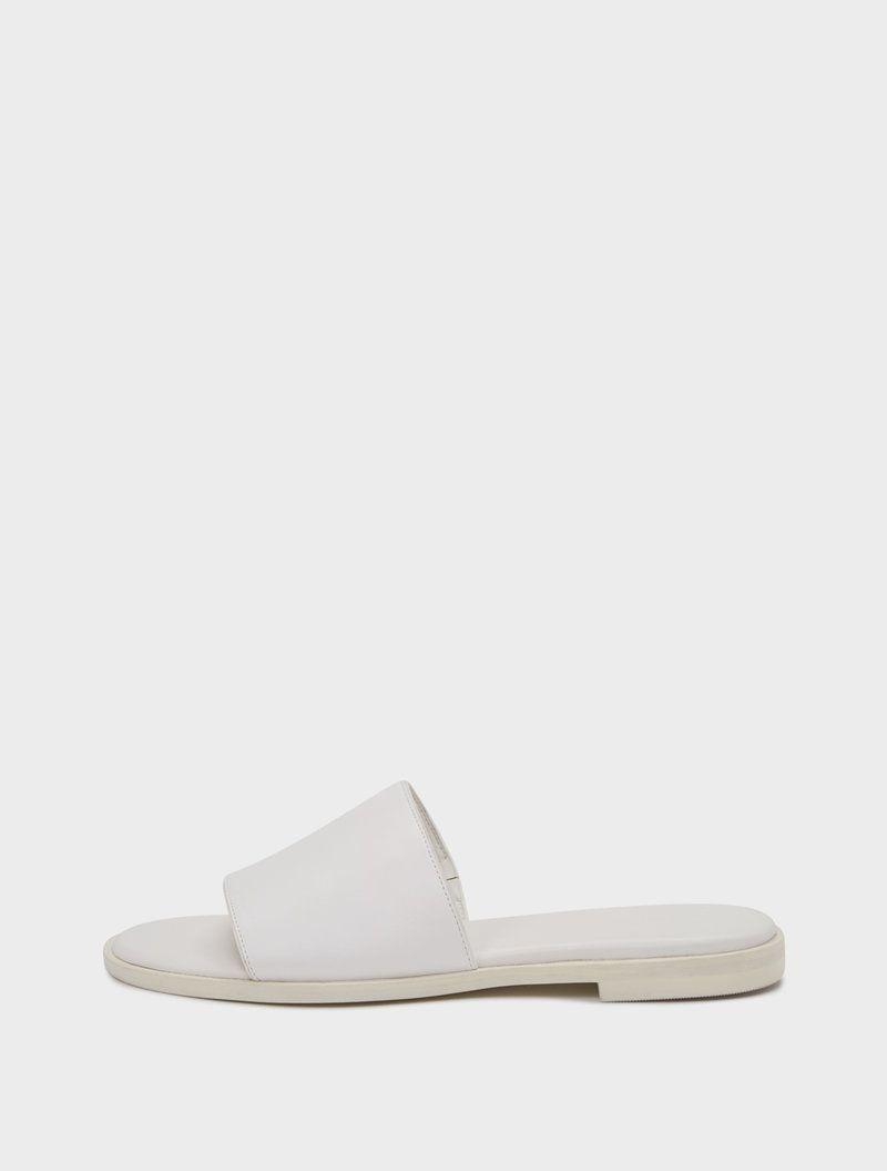 DKNY. Flat Sandals