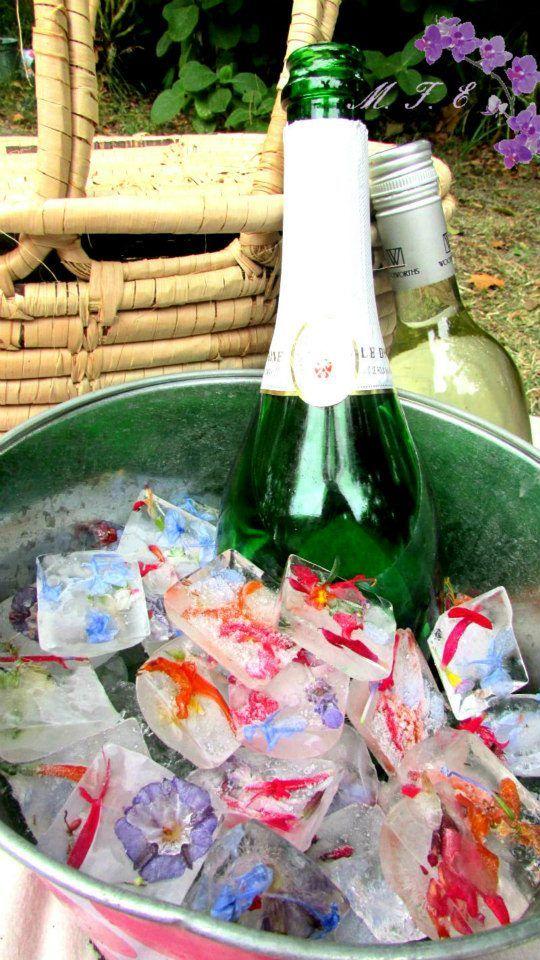 www.memoriesforeverevents.com - Sparkling Wine and flower ice ♥
