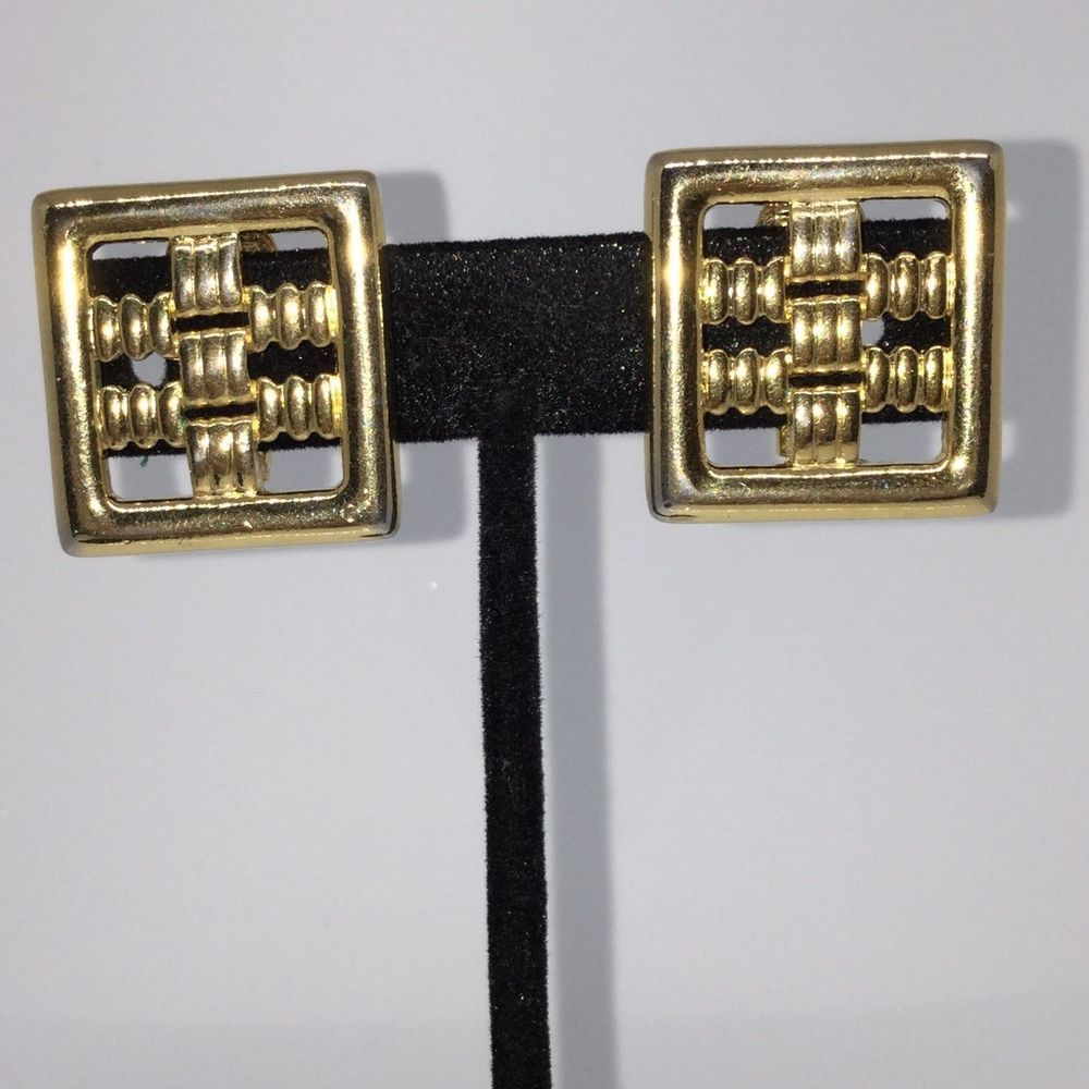 VINTAGE STACKED SQUARE DESIGN COMFORT CLIP EARRINGS