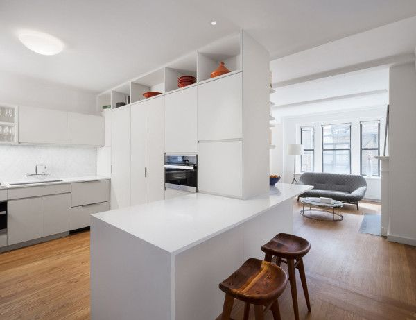 Pre-War, NYC Apartment Gets a Renovation Apartments, Kitchens and - charmantes appartement design singapur