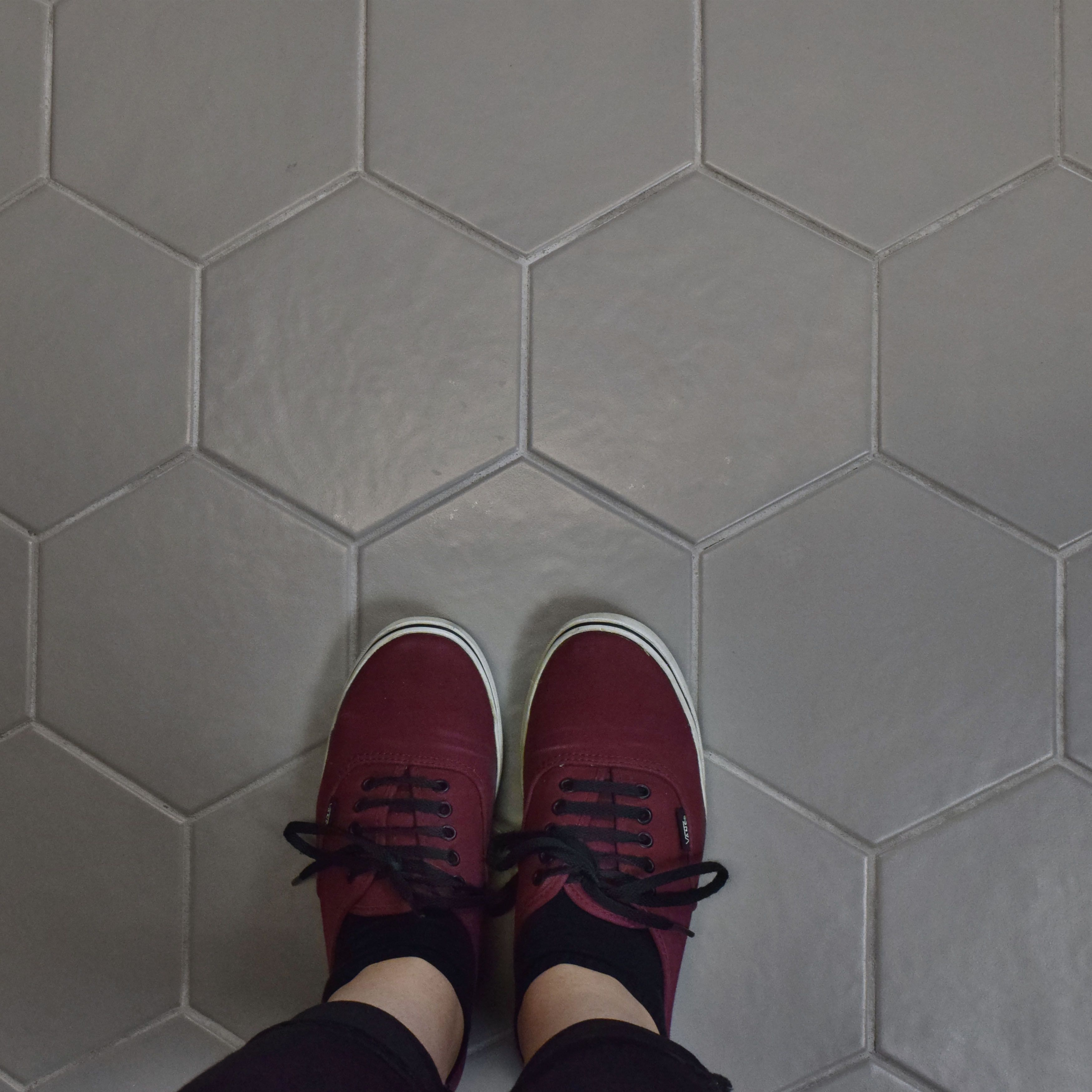 "EliteTile Hexitile 7"" x 8"" Porcelain Field Tile in Matte Gray"