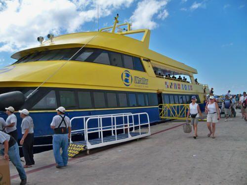 *Isla Mujeres - Puerto Juárez (Cancún)  Salidas cada media hora.  5:00am to 9:00pm; 10:00pm; 11:00pm; 12:00am