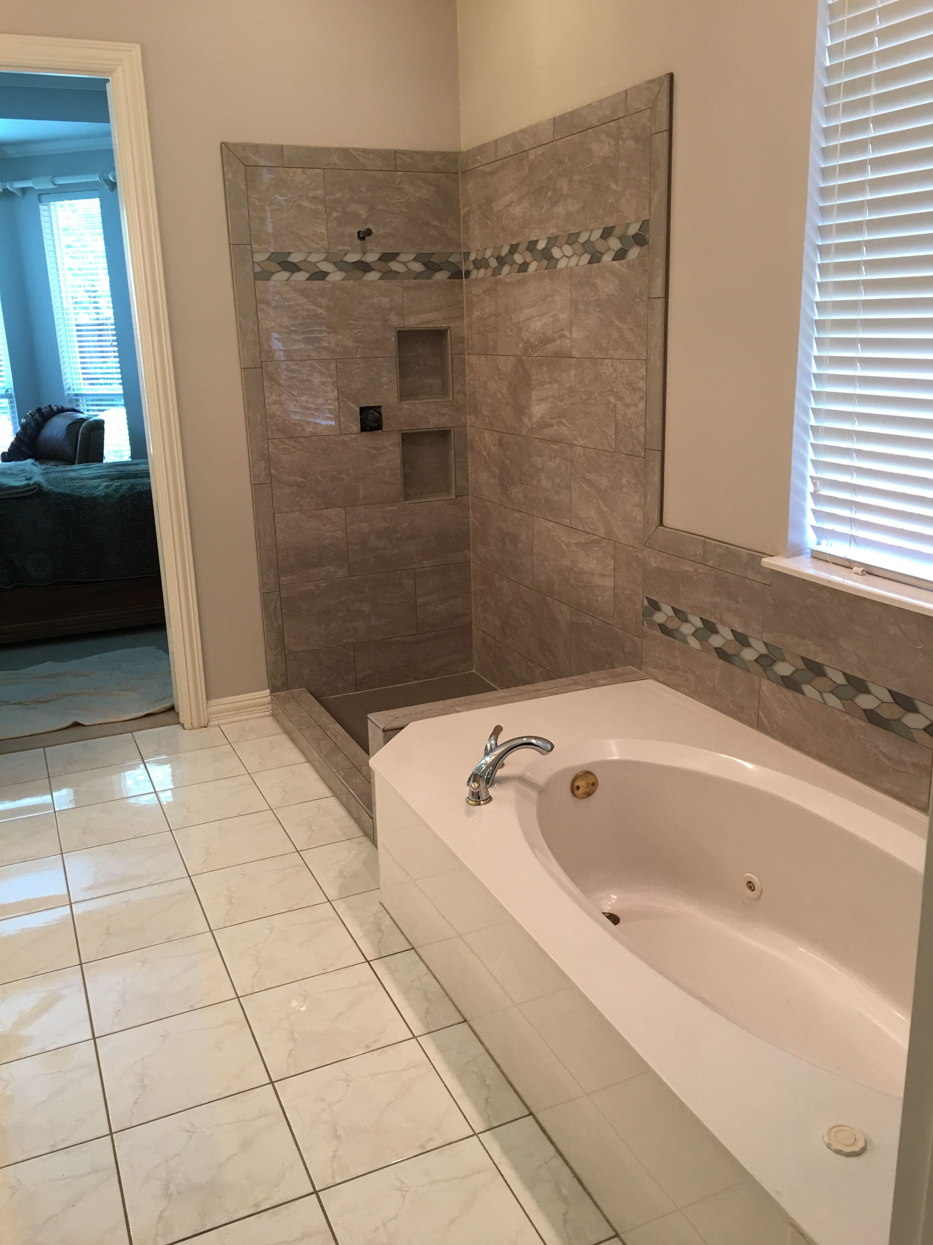 Msi 12x24 Pietra Pearl with glass leaves boarder. | Shower & Tubs ...