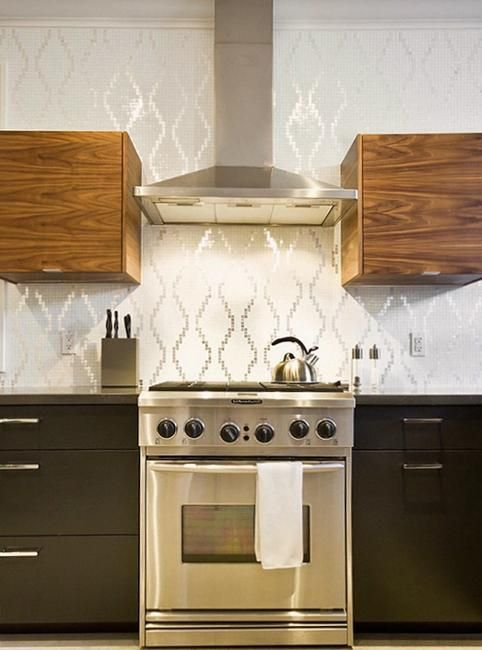 25 Beautiful Kitchen Decor Ideas Bringing Modern Wallpaper Patterns And Colors With Images Modern Kitchen Wallpaper Kitchen Wall Decor Kitchen Wallpaper Design