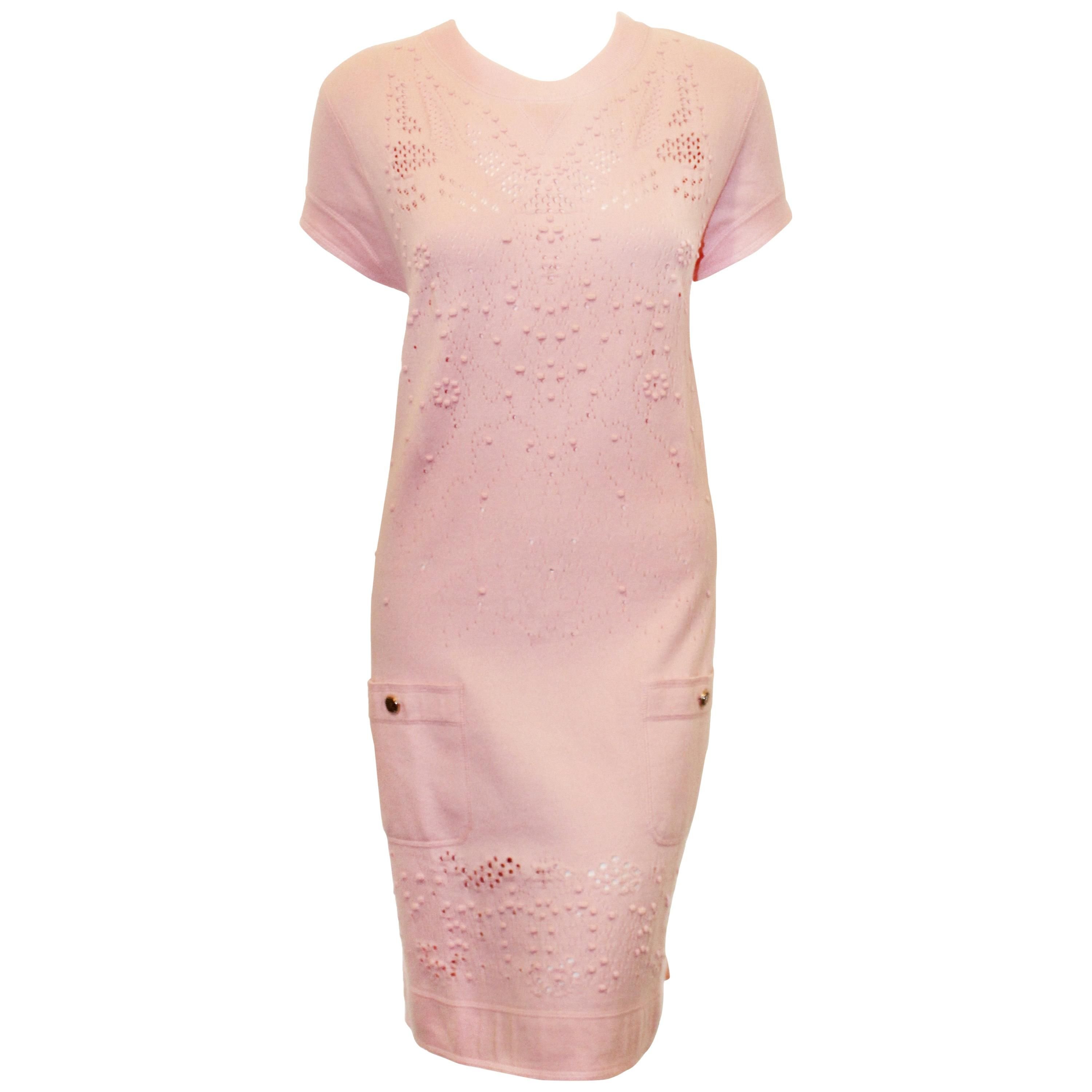 336d5bb5202 Chanel Pink Cap Sleeve Cotton Chemise Dress W  Patch Pockets For Sale at  1stdibs
