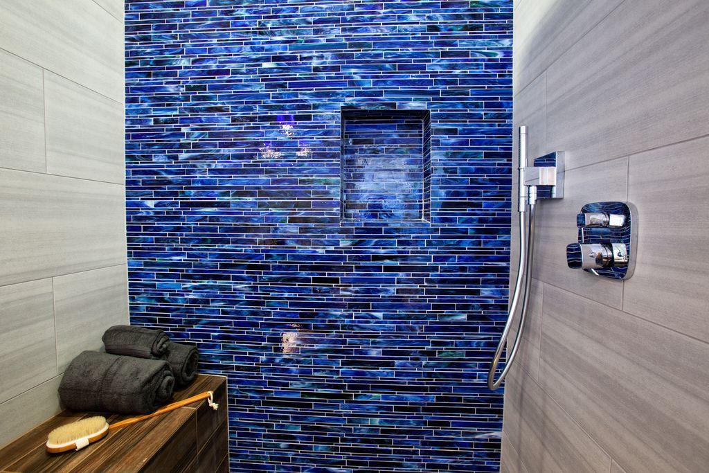 Modern Master Bathroom with Master bathroom, Handheld Shower Head