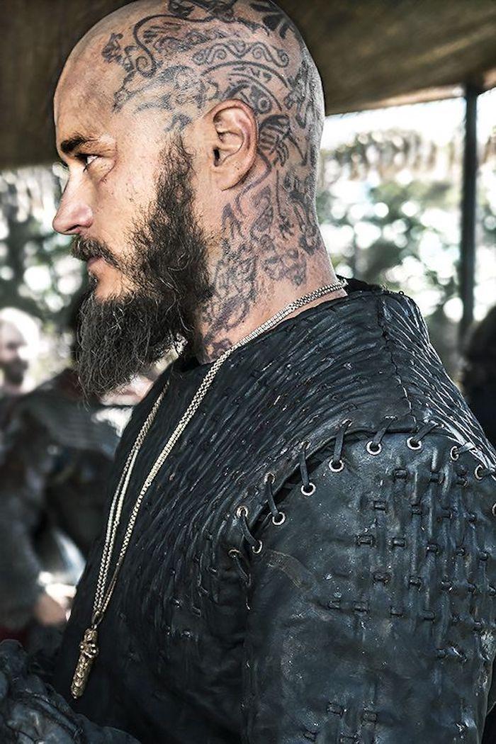 viking tattoo, mann mit langem bart, kopf tätowieren ...