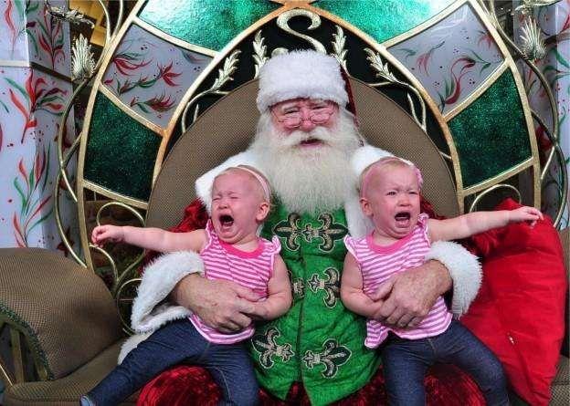 15 Kids Who Are Terrified Of Santa Claus Crying Kids Bad Santa Scary Christmas
