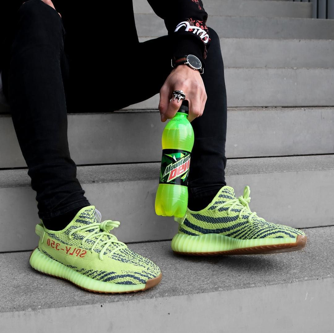 "595bd0037 adidas YEEZY Boost 350 V2 ""Semi-Frozen Yellow"""
