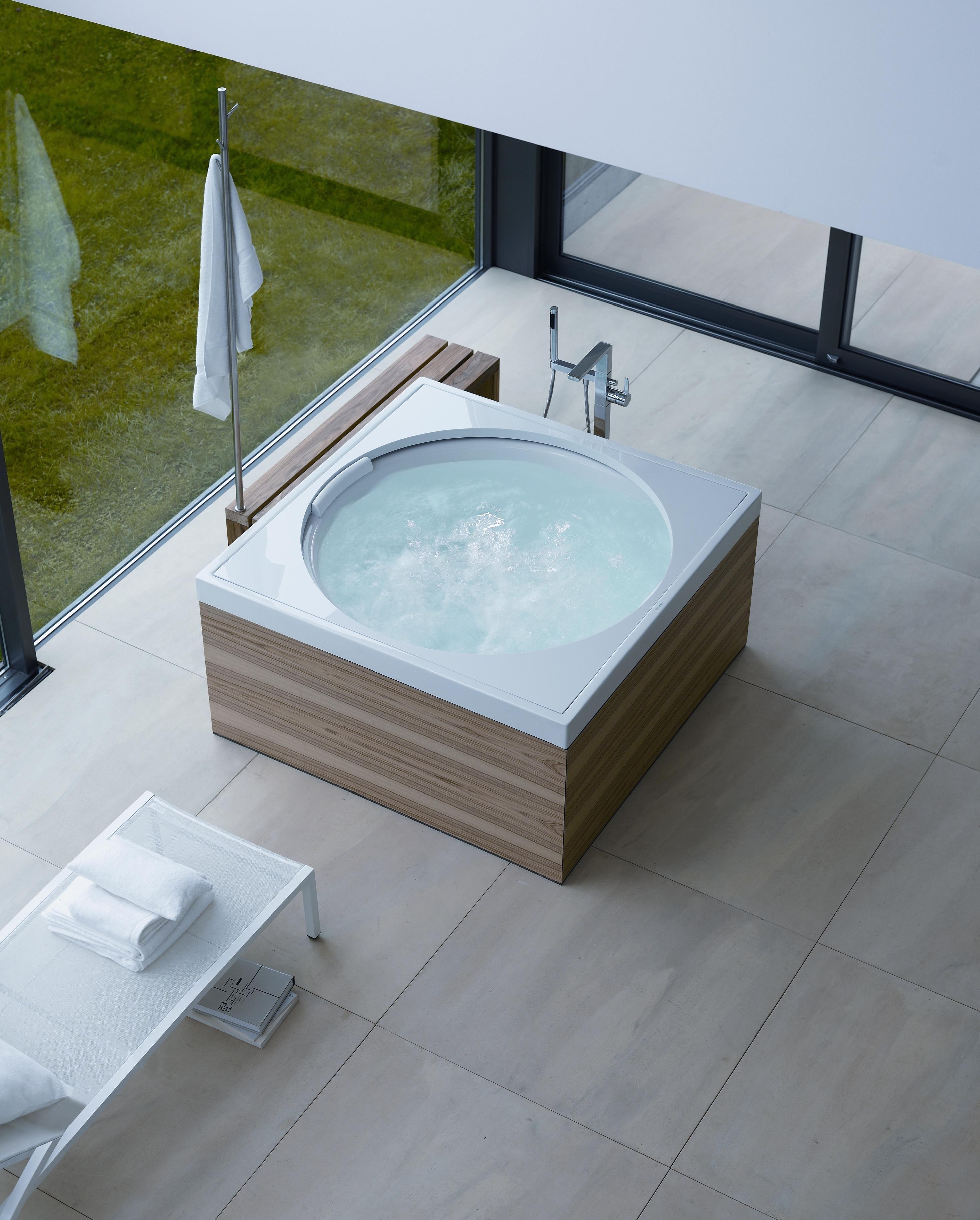 Lunar Inspired Bathtubs Interiors Amp Architecture