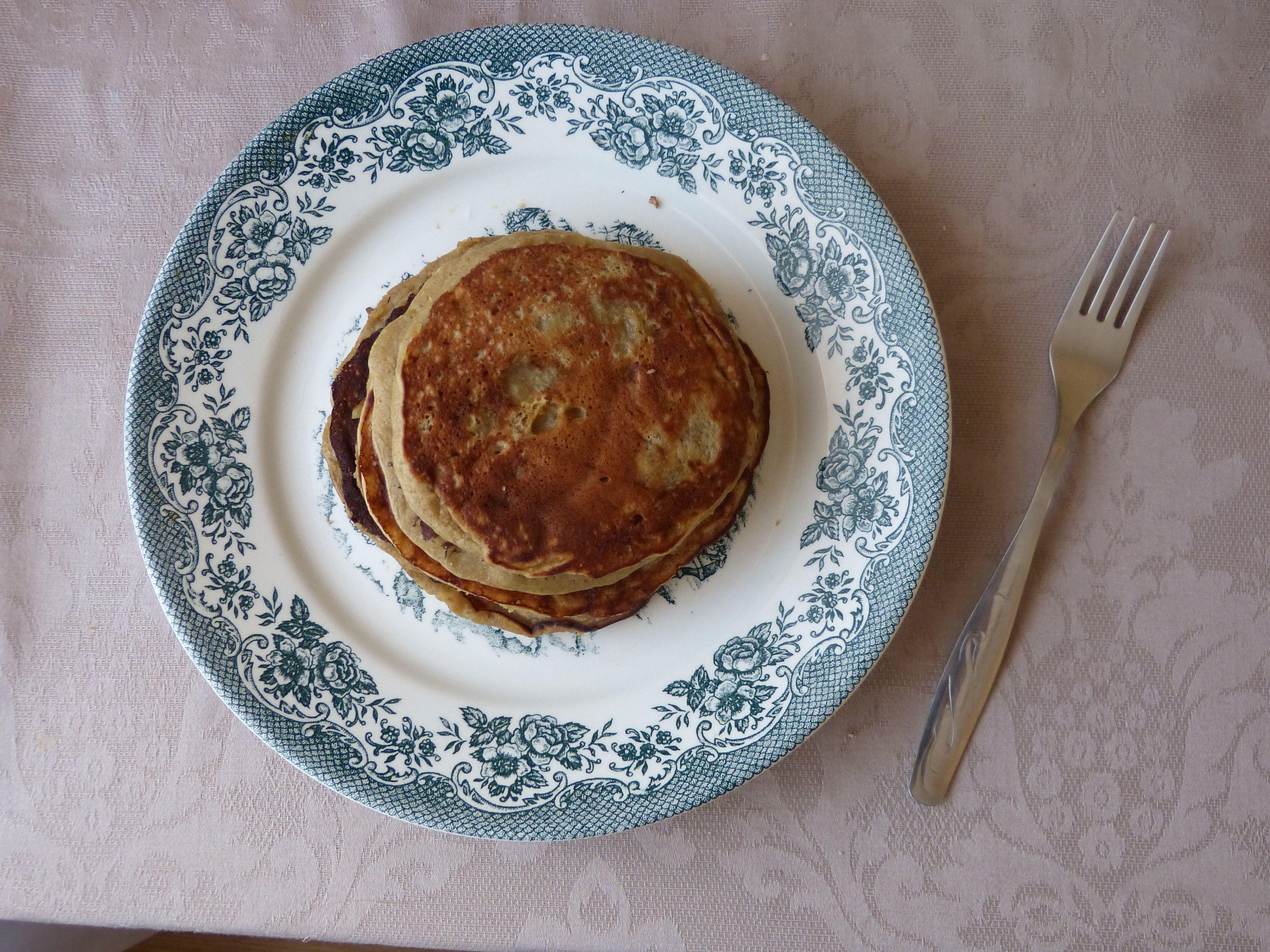 Banana and coconut milk pancakes