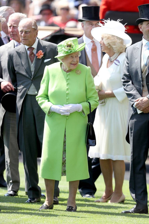 A Detailed Look Through Queen Elizabeth Ii S Wardrobe Evolution Queen Elizabeth Queen Elizabeth Ii Royal Ascot Fashion [ 1530 x 1020 Pixel ]