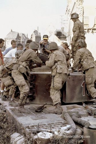 saving private ryan behind the scenes photo of steven spielberg  saving private ryan
