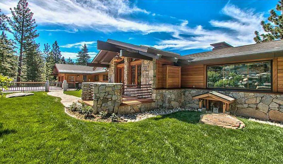 Splendide panorama pour cette maison bois et pierre traditionnelle