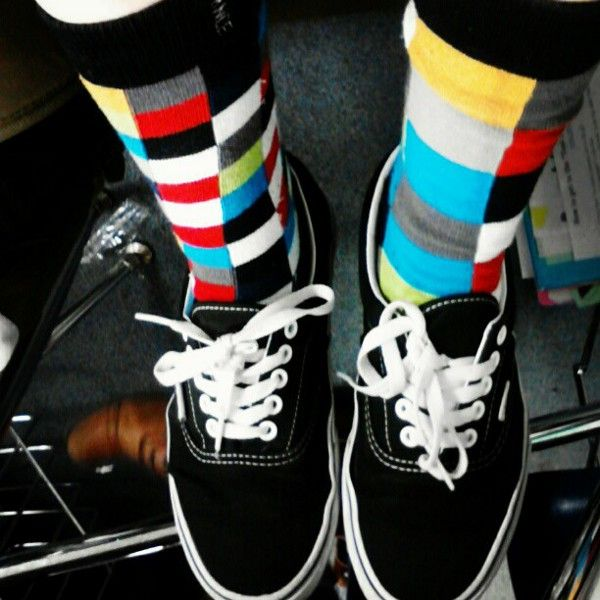 Les baskets et les chaussettes à motifs ; 40 exemples ...