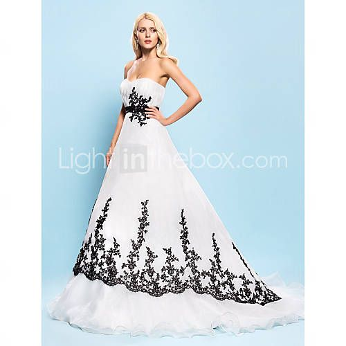 [USD $ 249.99]  Ball Gown Sweetheart Court Train Organza Wedding Dress