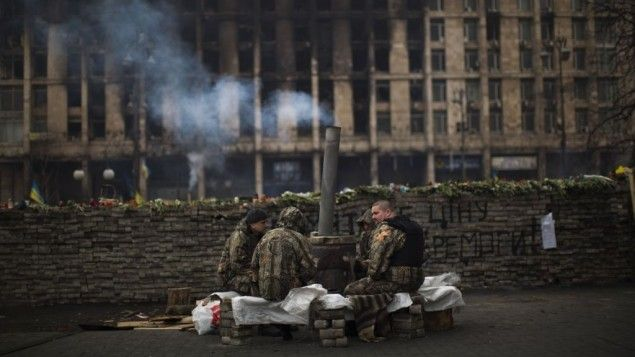 Ukraine: Russia sending 'thousands' of troops to Crimea