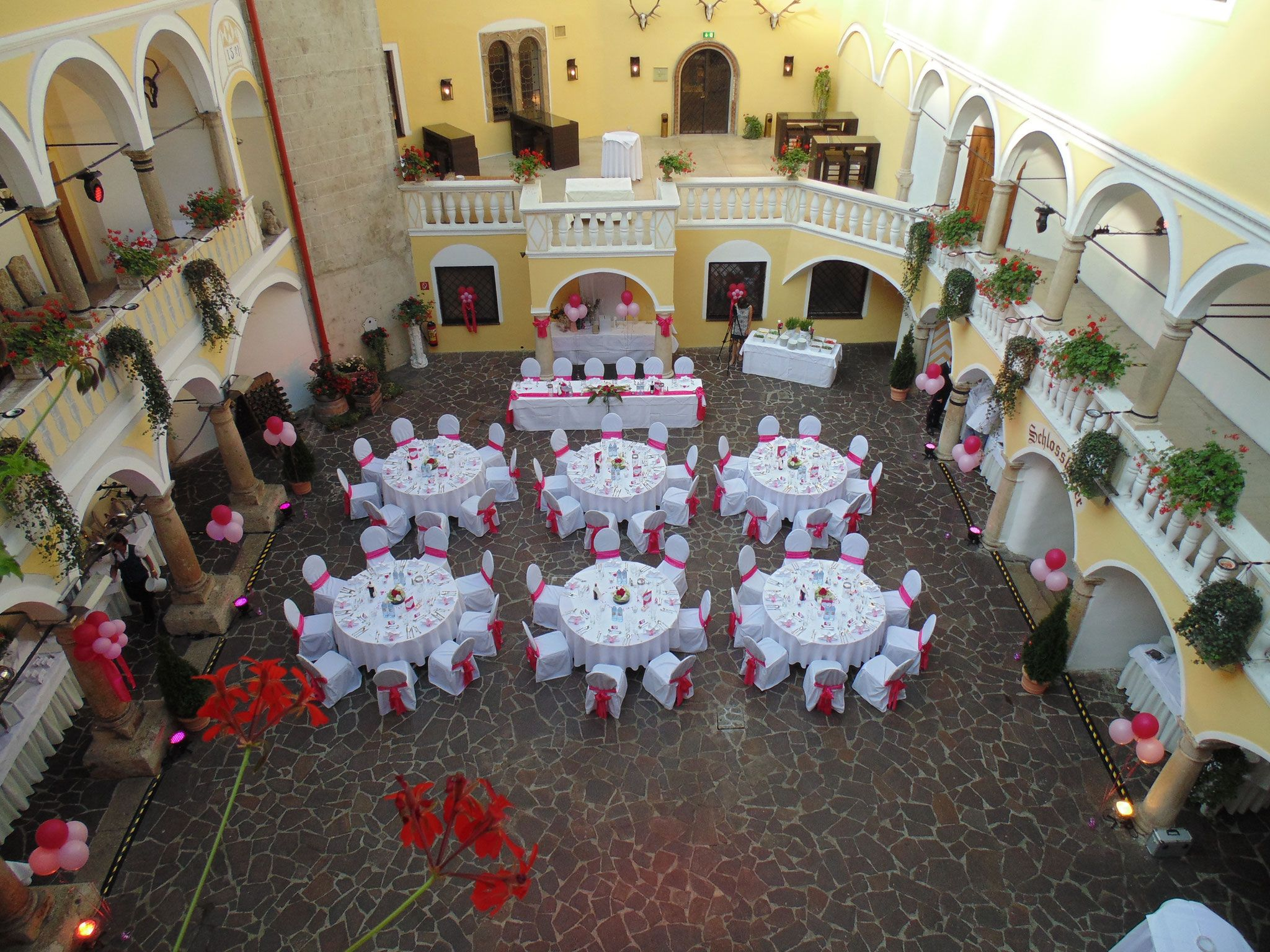 Hochzeit Von Alexandra Und Thomas Im Schloss Laxenburg Orange