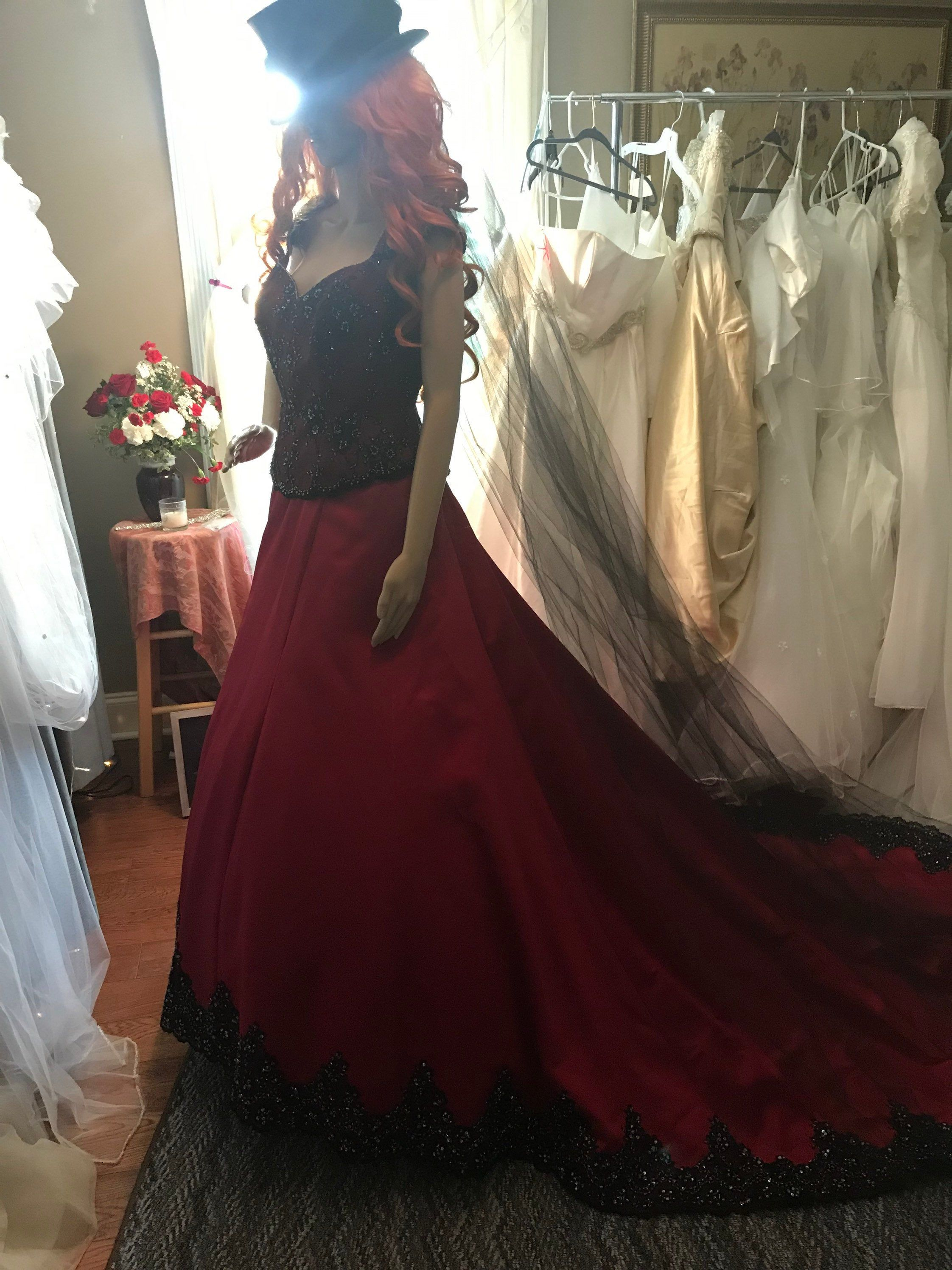 Red And Black Lace Wedding Dress By Veilsofthevalley On Etsy Victorian Wedding Dress Wedding Dresses Black Lace Wedding Dress [ 2992 x 2244 Pixel ]