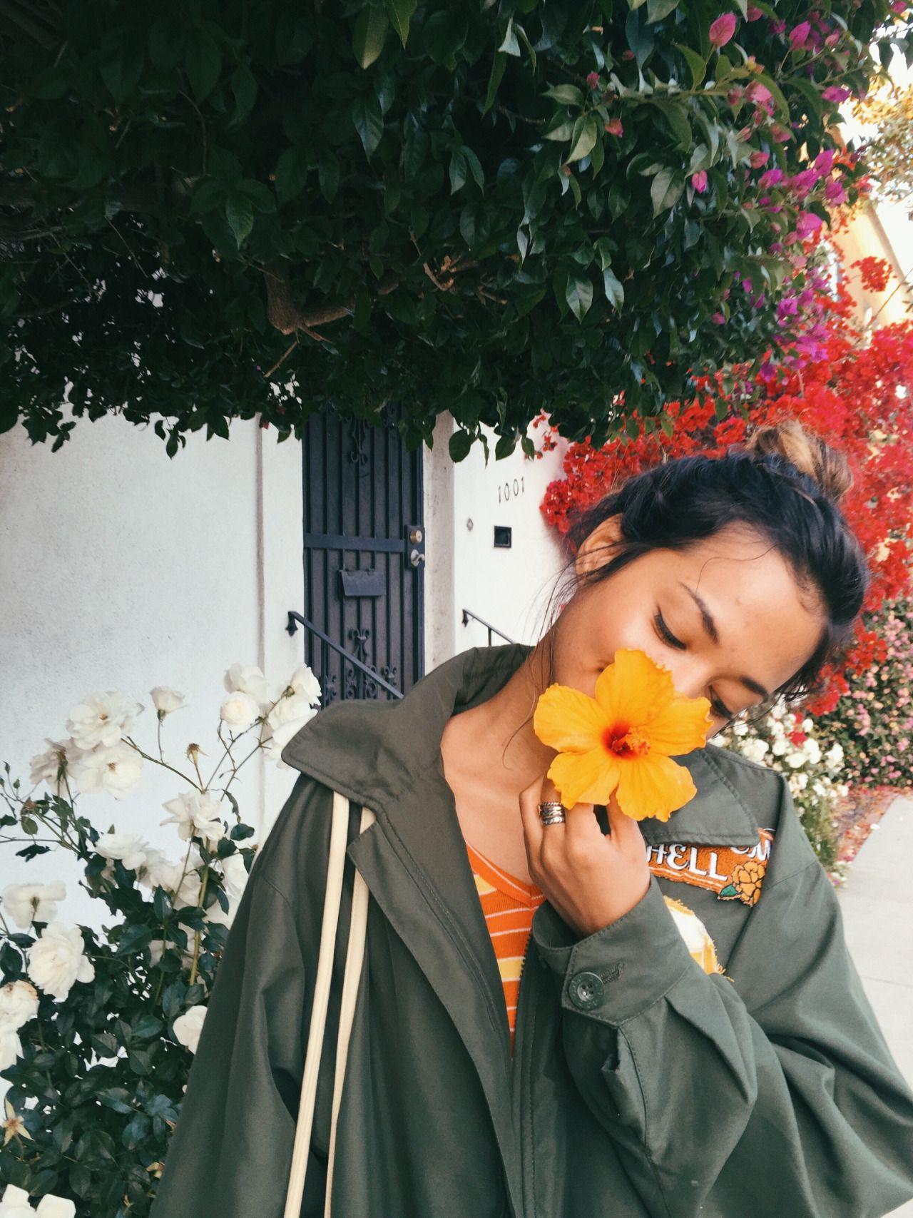 PILGRIM VINTAGE and floral walks in the neighborhood