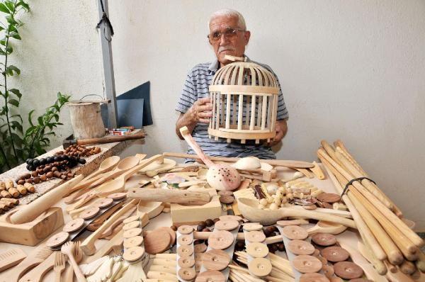Kaş İlçesi'nde yaşayan 82 yaşındaki Durali Sürer