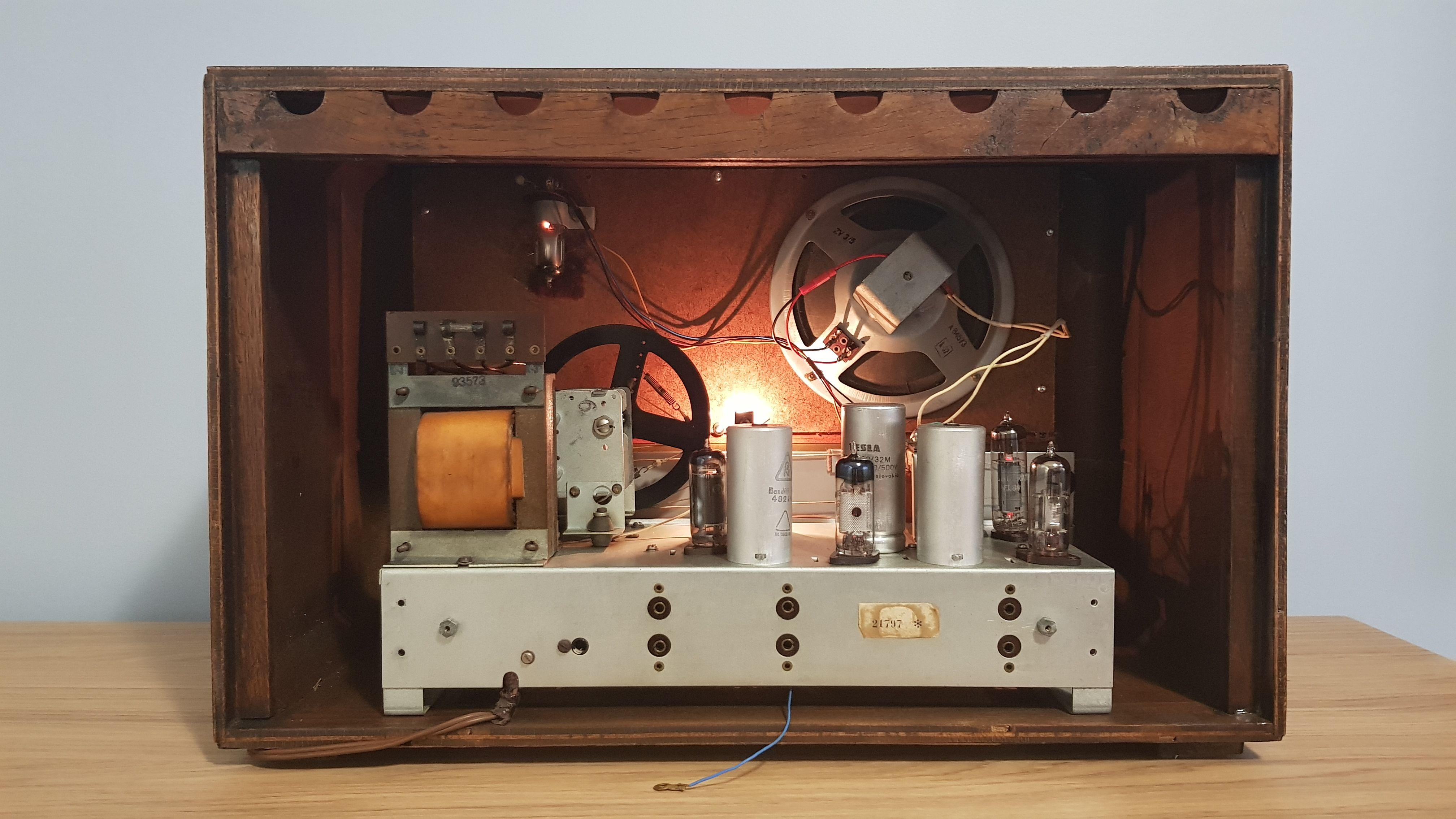 Vintage Radio Riz Jadran 57 Vintage Radio Vintage Electronics Vintage