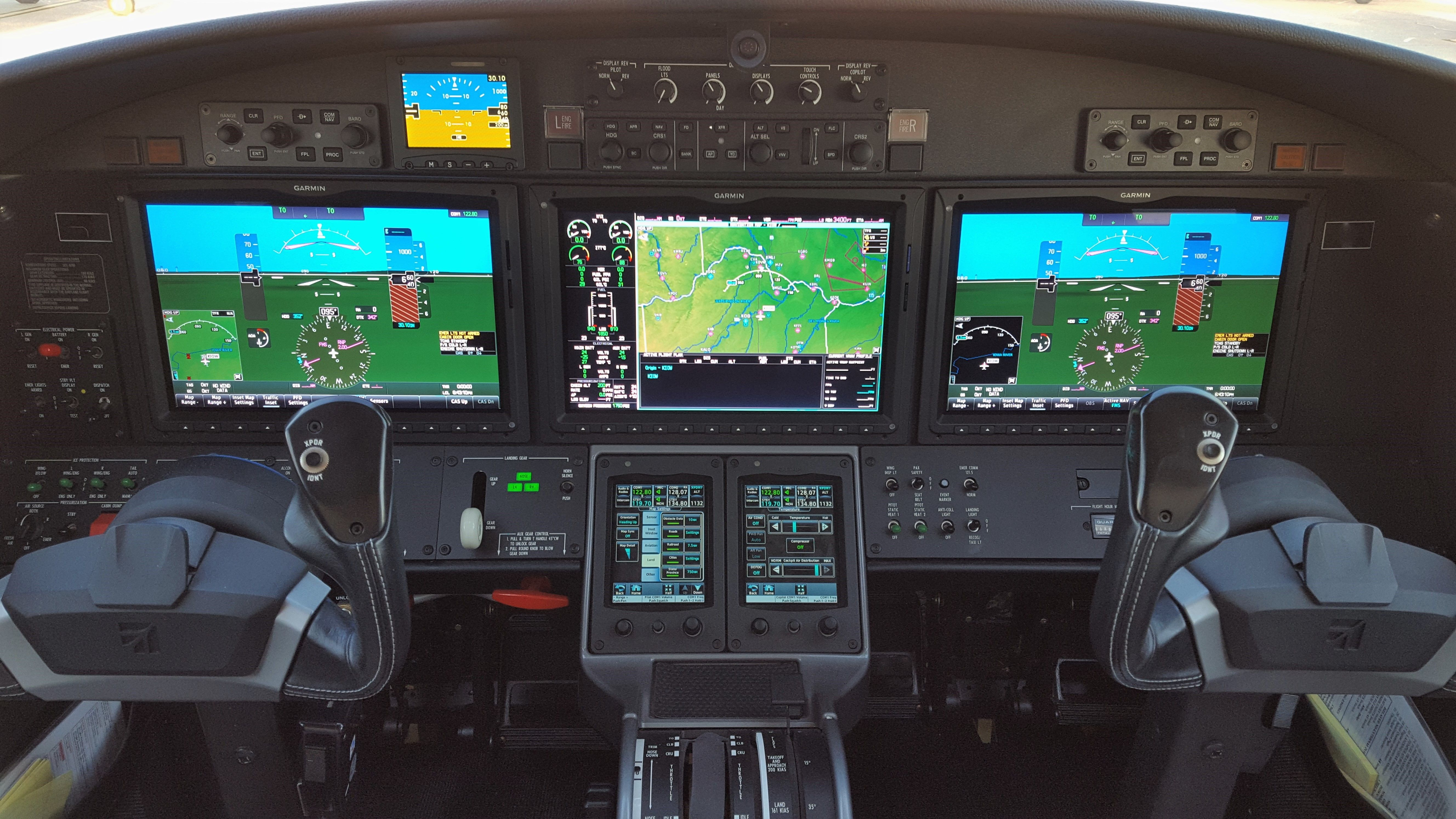 Cessna Citation M2 Instrument Panel Garmin 3000 Starship