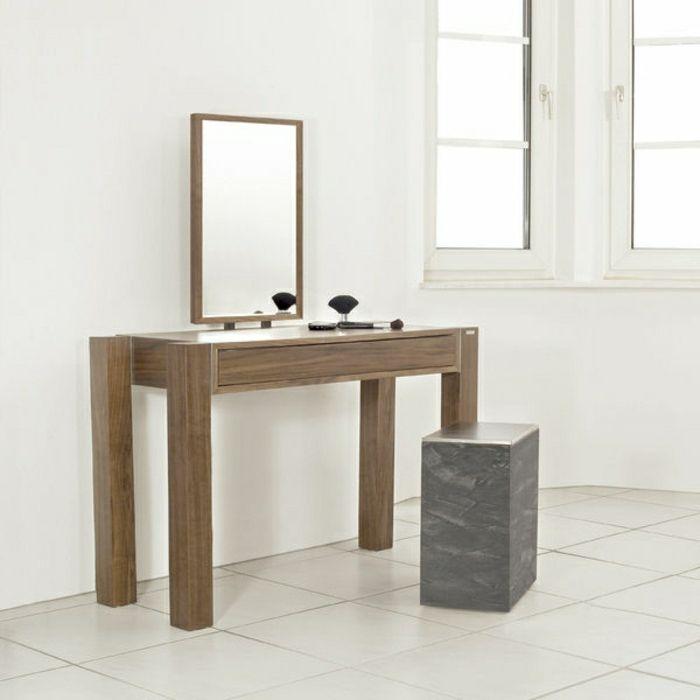 jolie coiffeuse en bois foncé avec grand miroir