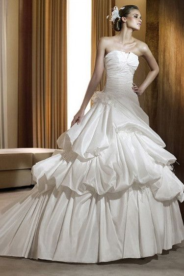 Ball Gown Strapless Chapel Train Satin Satin Wedding Dress with Buttons
