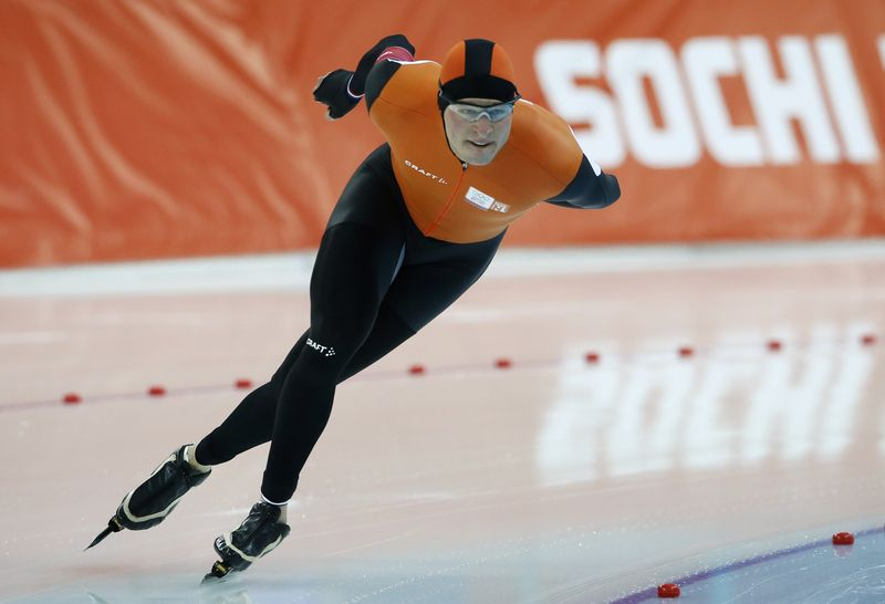 Sven Kramer of the Netherlands skates during the men's 5,000m speed skating race at the Adler Arena during the 2014 Sochi Winter Olympics Fe...