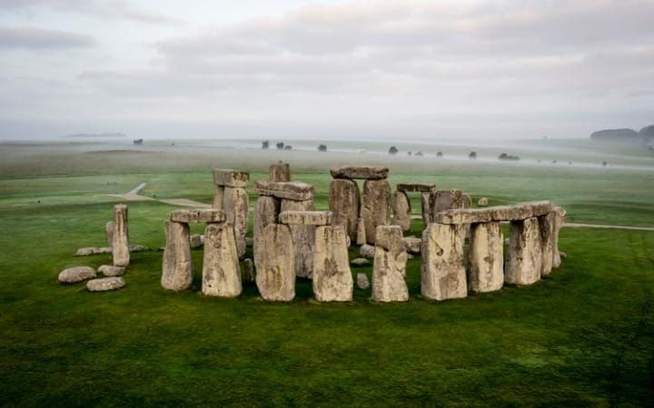 Stonehenge tunnel plan given backing by English Heritage and National Trust