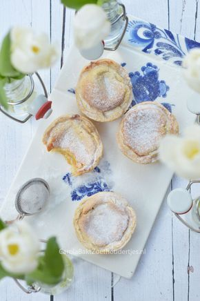 Portugese taartjes of pasteis de nata volgens Paul Hollywood. Portuguese cakes or pasta de nata according to Paul Hollywood.