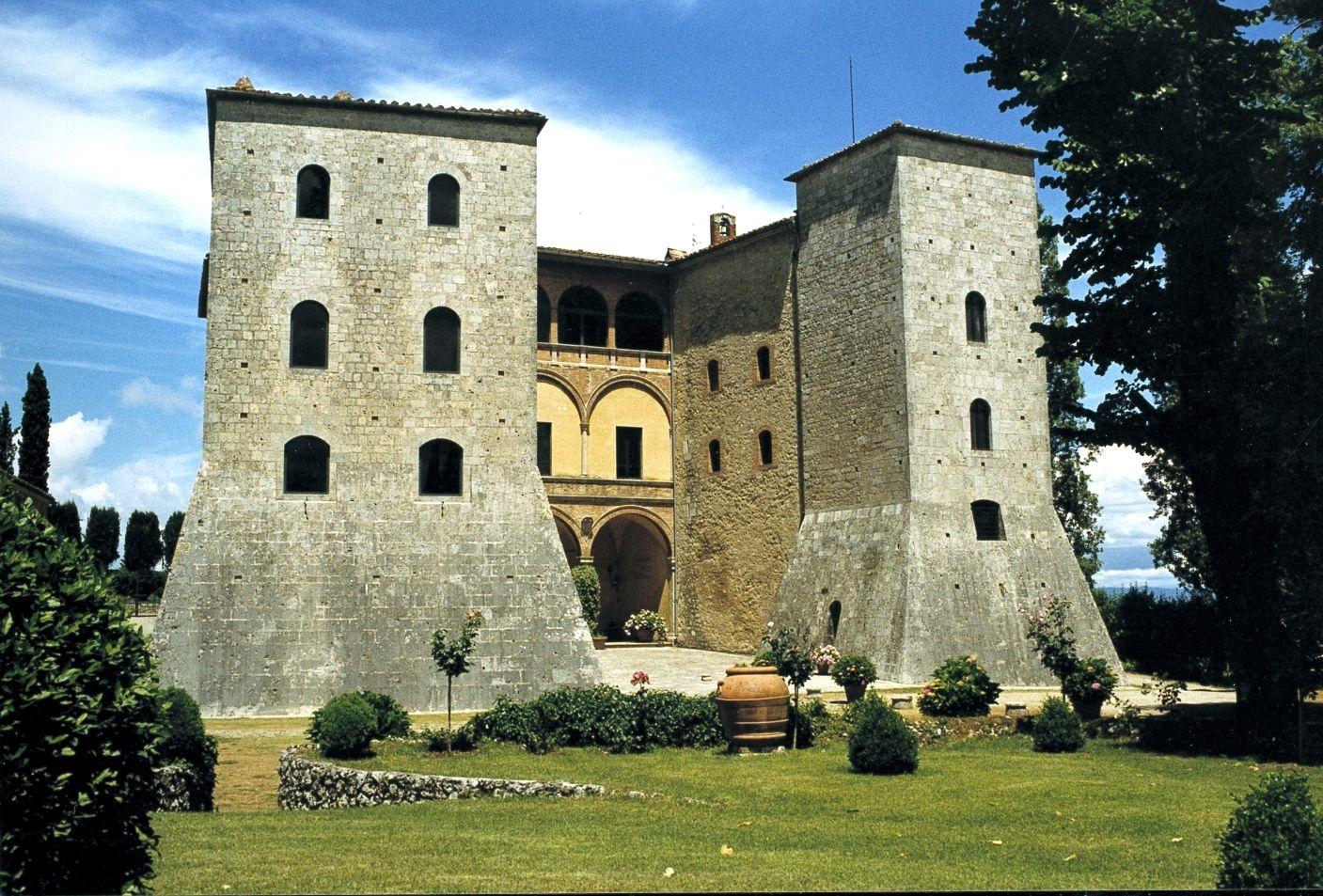 Il #Castello di Grotti. Sede della Fondazione Sergio ...