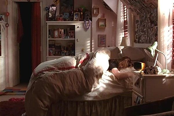 Pin By Dillon Nelson On I U In 40 Teen Bedroom Aesthetic Awesome Bedroom Movies