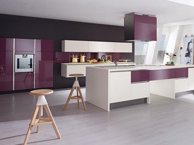cuisine color e d couvrez toutes nos inspirations elle d coration cuisine violet laque et. Black Bedroom Furniture Sets. Home Design Ideas