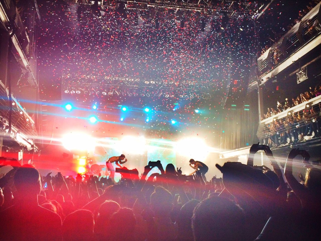 This picture is awesome thank you. |-/