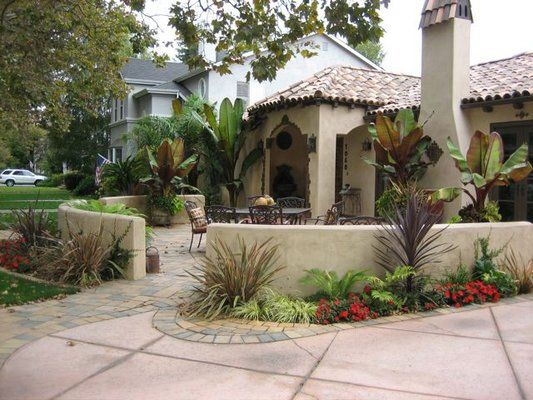 Front Courtyard If I Push Out The Porch Half Wall Front Courtyard Front Yard Patio Courtyard Landscaping