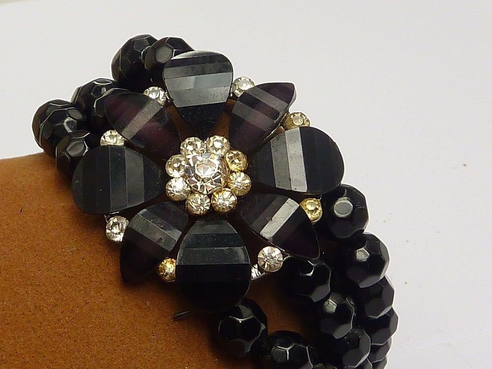 Excellent Bracelet Black Stone Paste Set Flower 3 Strand Expanding Core B1076 in Jewellery & Watches, Jewellery & Watches | eBay