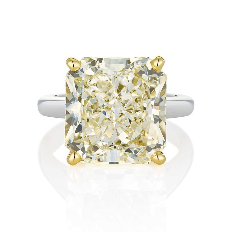 It may look like a yellow diamond, but this 12.23ct radiant-cut stone from De Beers Master Diamonds 1888 collection is in fact a V-colour white diamond. Discover the truth about colour graded yellow or white diamond engagement rings: http://www.thejewelleryeditor.com/bridal/surprising-alternative-yellow-diamonds/ #jewelry