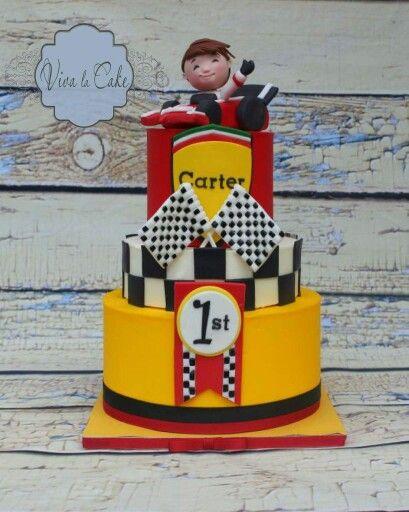 Racing cars cake