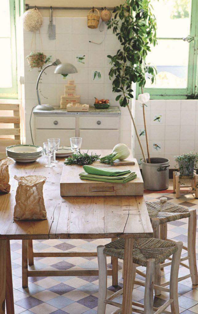 chateau de dirac l 39 art de vivre francese decoration. Black Bedroom Furniture Sets. Home Design Ideas